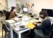 Image de Hélène Brousseau et Jessica Hébert, bibliothécaires chez Artexte, au travail.